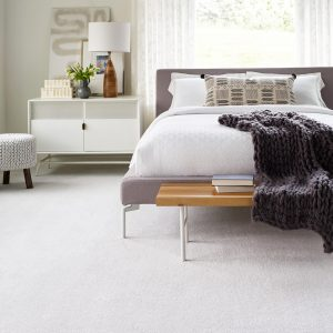 White carpet floor in bedroom | Lake Forest Flooring
