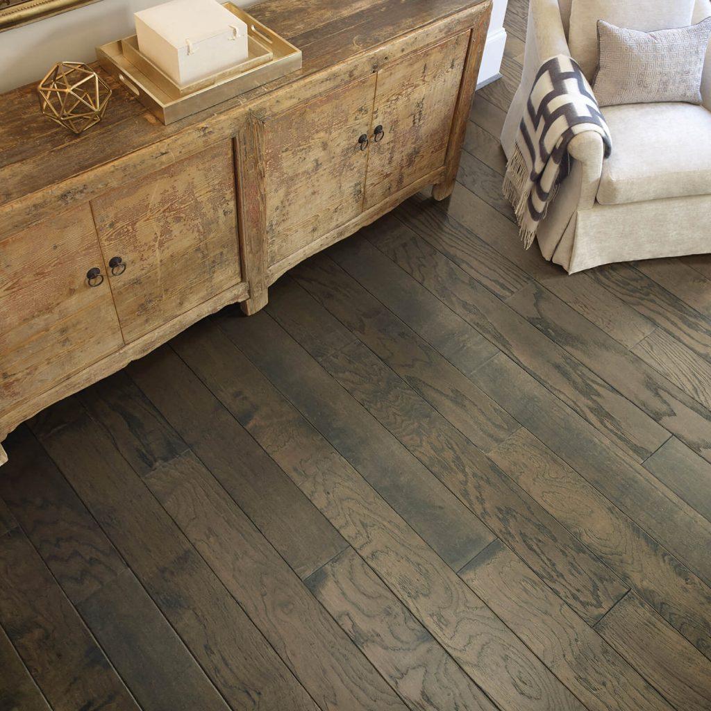 Hardwood flooring   Lake Forest Flooring